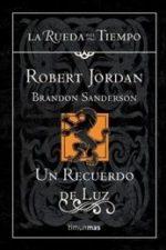 Libro Un recuerdo de luz De Brandon Sanderson;Robert Jordan